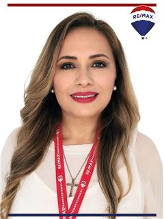 Silvia Andrade - RE/MAX Professional