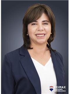 Maria Ayala - RE/MAX Asesoría Inmobiliaria