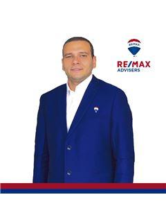 Roberto Morales - RE/MAX Advisers
