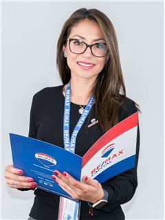 Ana Janneth Carrera - RE/MAX Capital