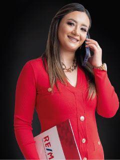 Valeria Medina - RE/MAX Capital 2