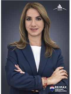 Andrea Cuadros - RE/MAX Asesoría Inmobiliaria