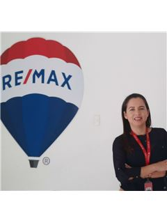 Silvia Zavala - RE/MAX Diamond