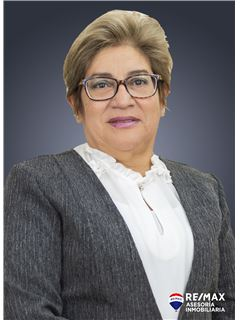 Marcia Velasco - RE/MAX Asesoría Inmobiliaria