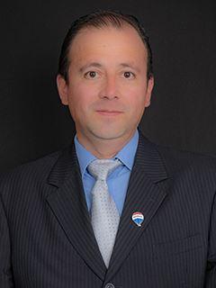 Juan Proaño - RE/MAX Capital
