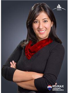 Bróker - Lorena Galarza, BROKER Cbr. - RE/MAX Asesoría Inmobiliaria