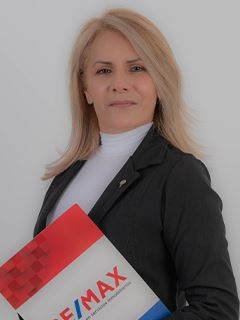 Martha Fernandez - RE/MAX Capital