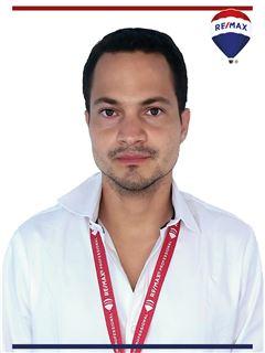 Felix Bobadilla - RE/MAX Professional