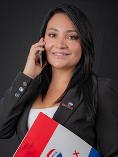 Alejandra Flores - RE/MAX Capital