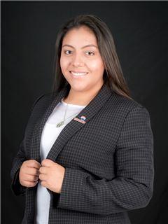 Carolina Moncayo - RE/MAX Capital 2