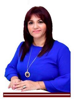 Gerente de Equipo - Lcda. Adriana de Martrus - RE/MAX Golden Home