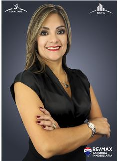 María José Paredes - RE/MAX Asesoría Inmobiliaria
