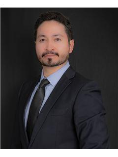 Carlos Andres Pallasco - RE/MAX Capital