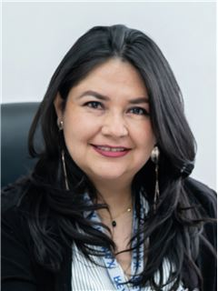 Denise Córdova - RE/MAX Capital
