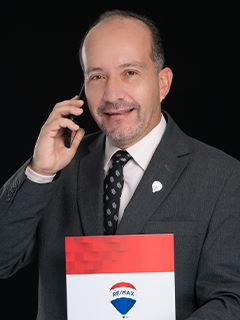 Javier Valenzuela - RE/MAX Capital