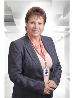 Carola Patricia Alvarado - RE/MAX Platinum