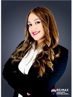 Karina Velasco - RE/MAX Asesoría Inmobiliaria
