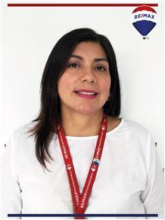 Xiomara Arcentales - RE/MAX Professional