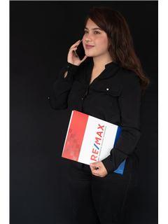 Gabriela Moya - RE/MAX Capital 2