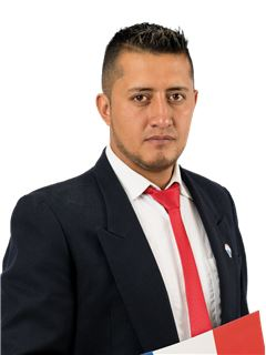 Stalin Giovanny Espinosa Leguisamo - RE/MAX Capital