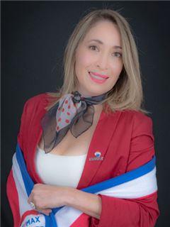 Rebeca Arellano - RE/MAX Capital 2