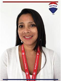 Paulina Manosalvas - RE/MAX Professional
