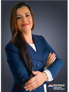 Gabriela Andrade - RE/MAX Asesoría Inmobiliaria