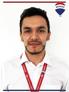 Fernando Malaver - RE/MAX Professional