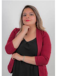 Diana Bazurto - RE/MAX Capital