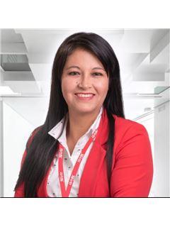 Ana Lucia Acurio - RE/MAX Capital
