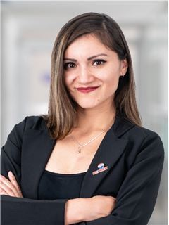 Jessica Gabriela Espinoza - RE/MAX Capital