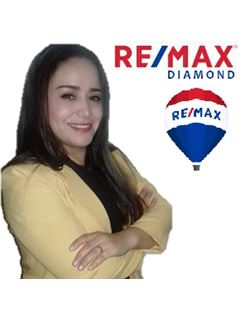 Veronica Espinales - RE/MAX Diamond