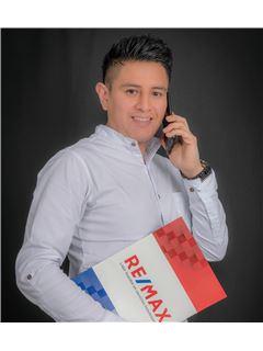 Edwin Ochoa - RE/MAX Capital