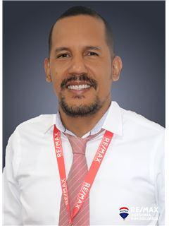 Raybert Cañizares - RE/MAX Asesoría Inmobiliaria