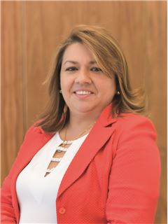 Gregoria Evelina Mendoza - RE/MAX Capital