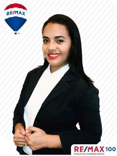 Paola Aguilar - RE/MAX 100 2