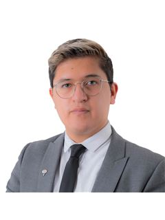 Israel Pacheco - RE/MAX Capital