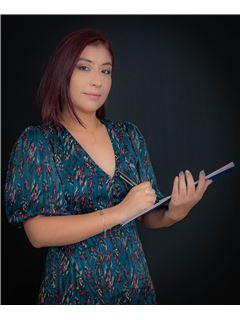 Silvana Arevalo - RE/MAX Capital