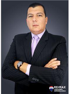 Juan Calderón - RE/MAX Asesoría Inmobiliaria