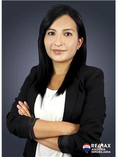 Carolina Ortiz - RE/MAX Asesoría Inmobiliaria