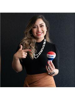 Fernanda Sislema - RE/MAX Capital 2