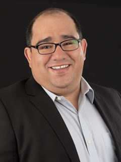 Adrian Fernando Garcia - RE/MAX Capital