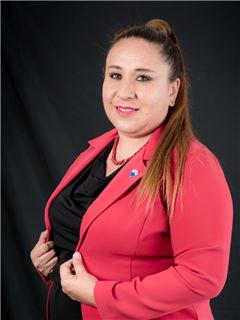 Veronica Ruano - RE/MAX Capital 2