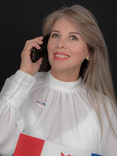 Lorena Dominguez - RE/MAX Capital