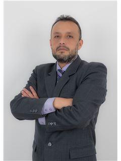 Jose Javier Lopez - RE/MAX Capital