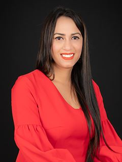Daniela Velasco - RE/MAX Capital