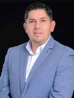 Daniel Villagomez - RE/MAX Capital