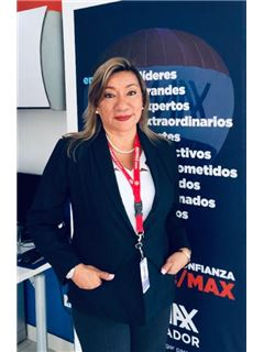 Ma. Elena Vargas - RE/MAX Kigal