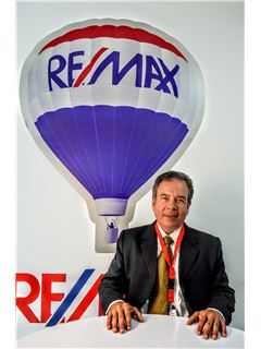 Carlos Viteri - RE/MAX Kigal