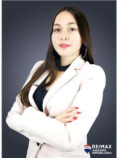 Carolina Guevara - RE/MAX Asesoría Inmobiliaria